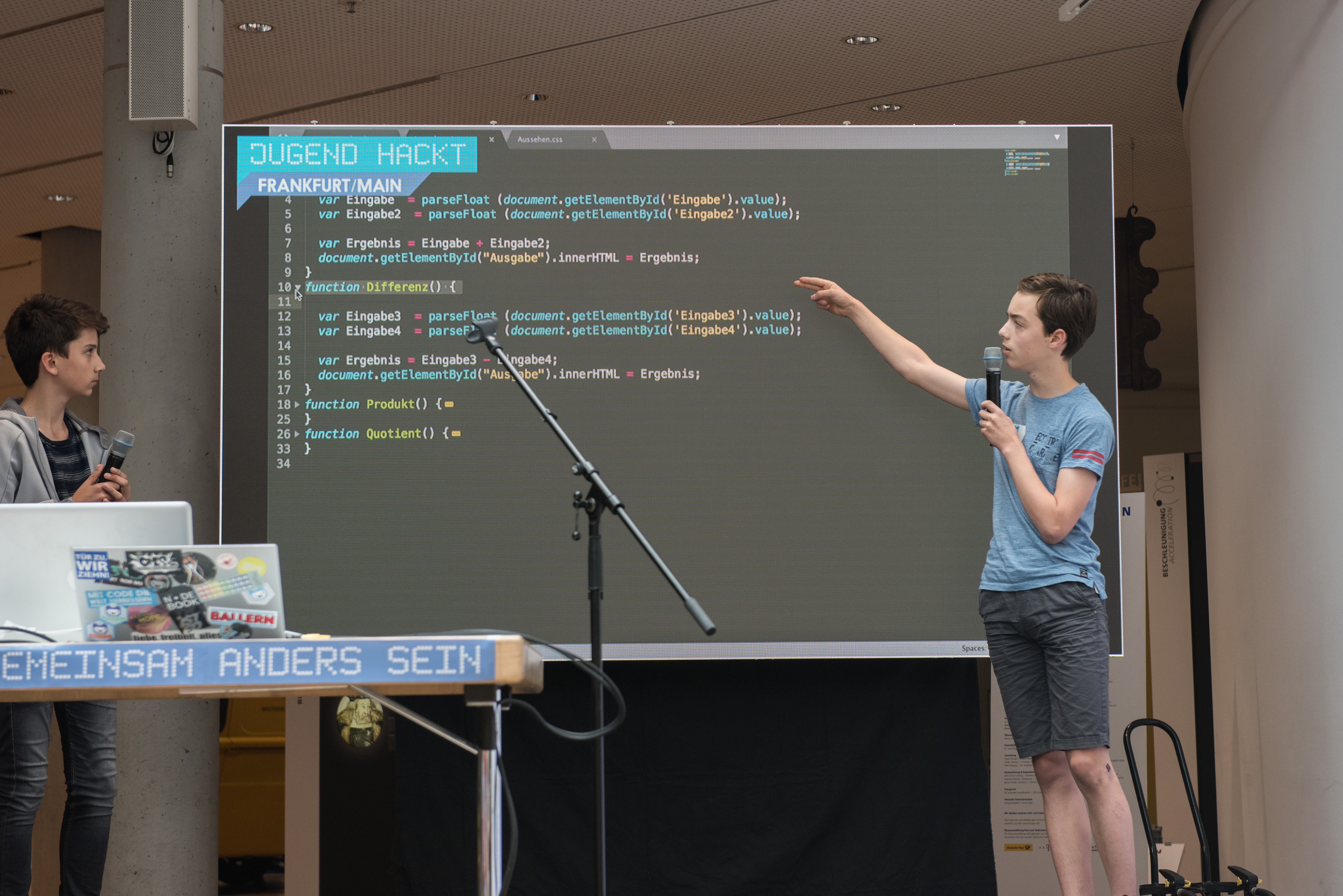 2018_Jugend hackt Frankfurt_Präsentation2_Foto Tamara Eda Temucin