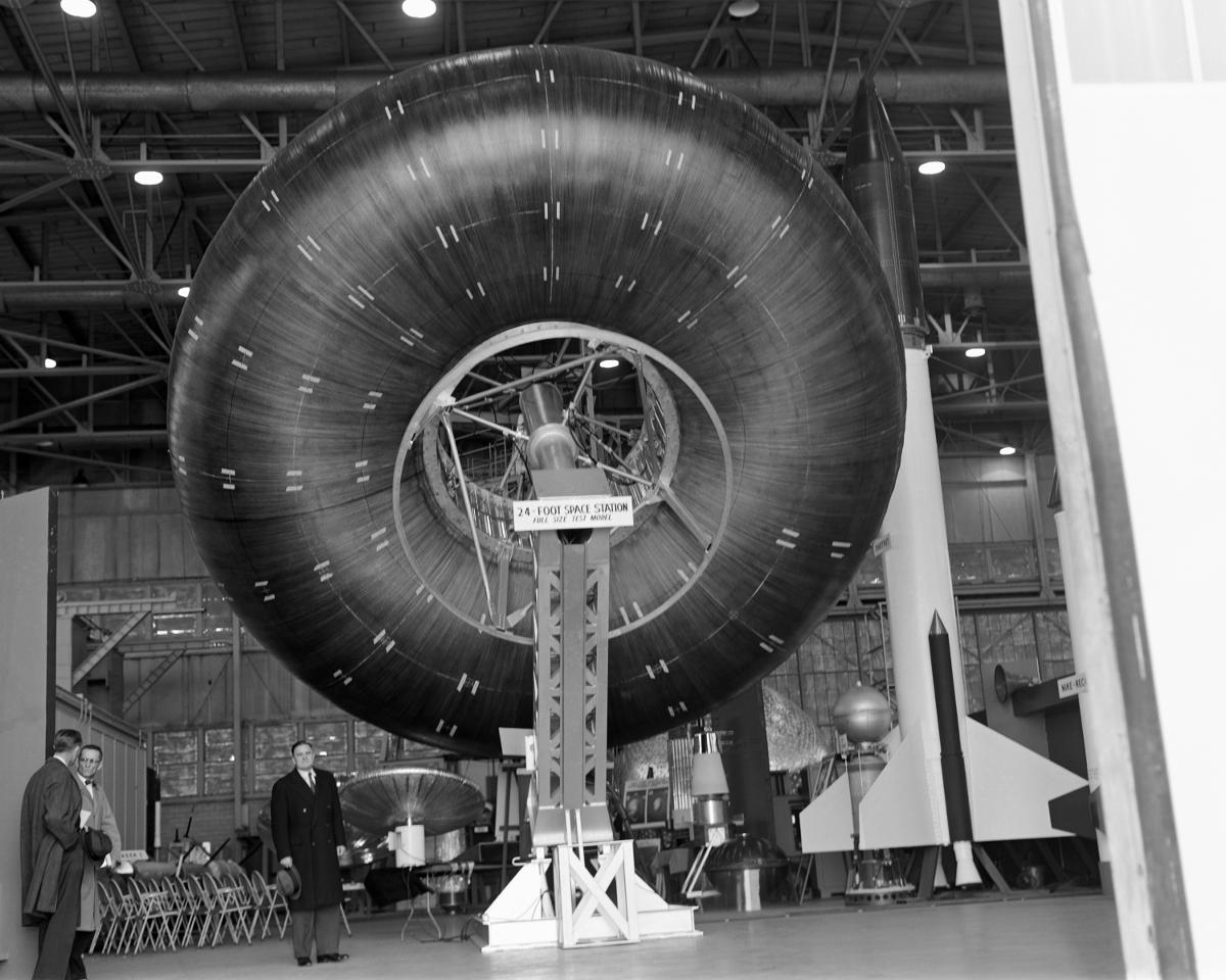 Erstes Modell der aufblasbaren Raumstation noch in Torusform von 1961. Foto: NASA